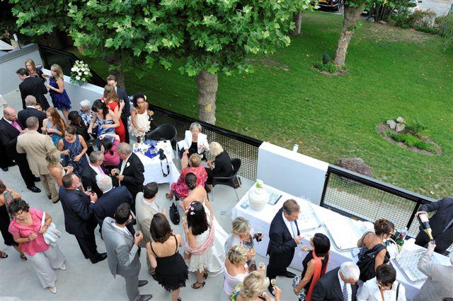 cocktail-avec-participants-terrasse-est